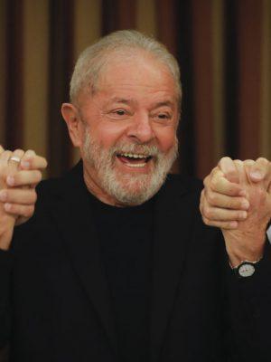 Ex-Presidente Lula da Silva durante reunão com parlamentares do PT, no hotel San Marco, em Brasília.| Sérgio Lima/Poder360 18.02.2020